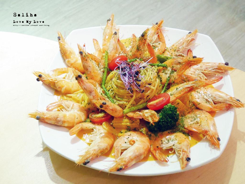 台北西門站好吃義大利麵美食推薦顛倒餐廳蛤蜊超狂海鮮