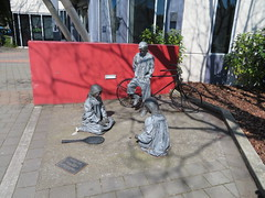 Passing time sculpture, Fendalton Library