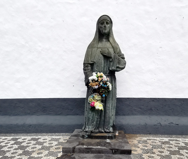 Monumento Escultura Madre Teresa da Anunciada 1683 Convento da Esperanza Ponta Delgada Isla San Miguel Azores Portugal
