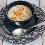 Blumenkohl-Cashew-Suppe mit knusprigem Buchweizen
