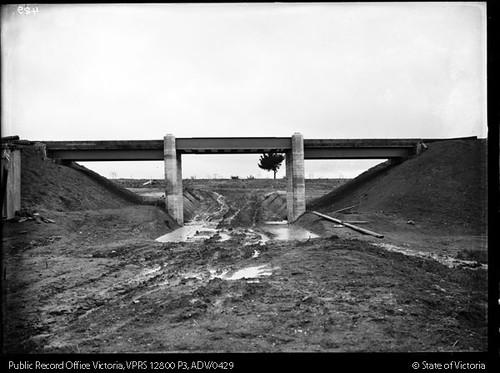 Looking south towards Windsor Avenue and the Glen Alvie Estate at Alvie Road railway bridge with Alvie Road under construction, circa 1929