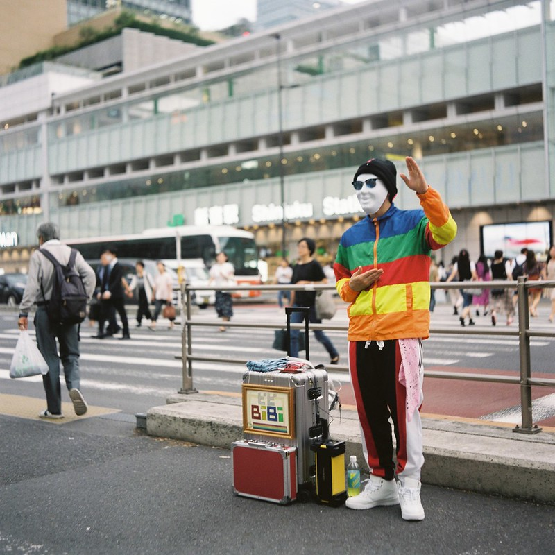 Meopta flexaret+Belar 80mm f3 5+FUJIFILM PRO 400H西新宿甲州街道の大道芸人