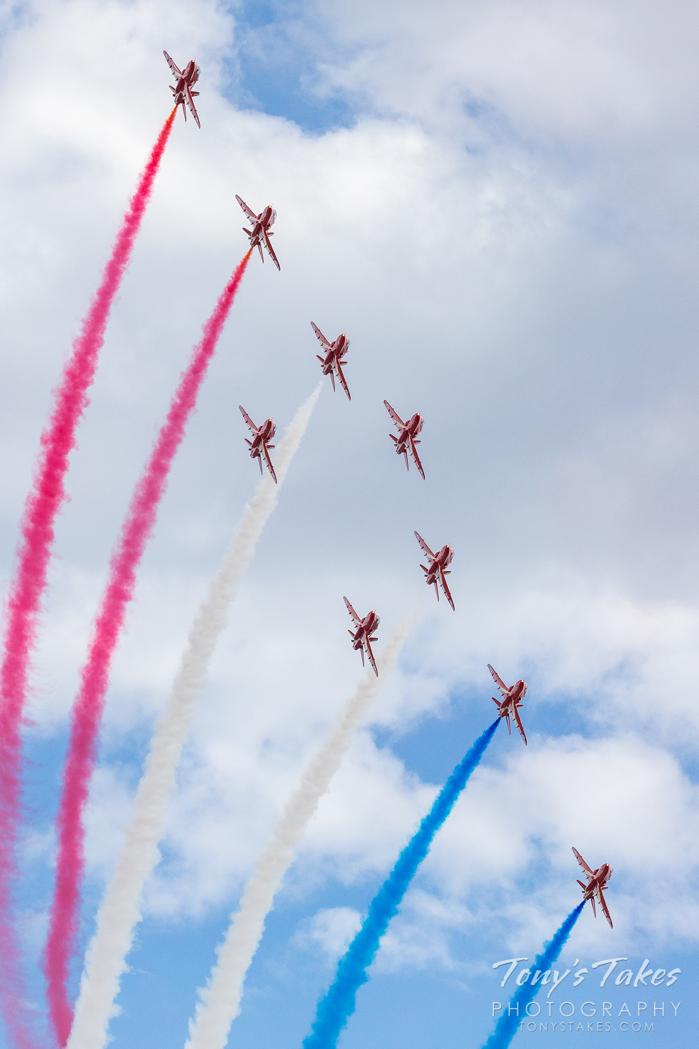 The Royal Air Force Red Arrows. (© Tony's Takes)