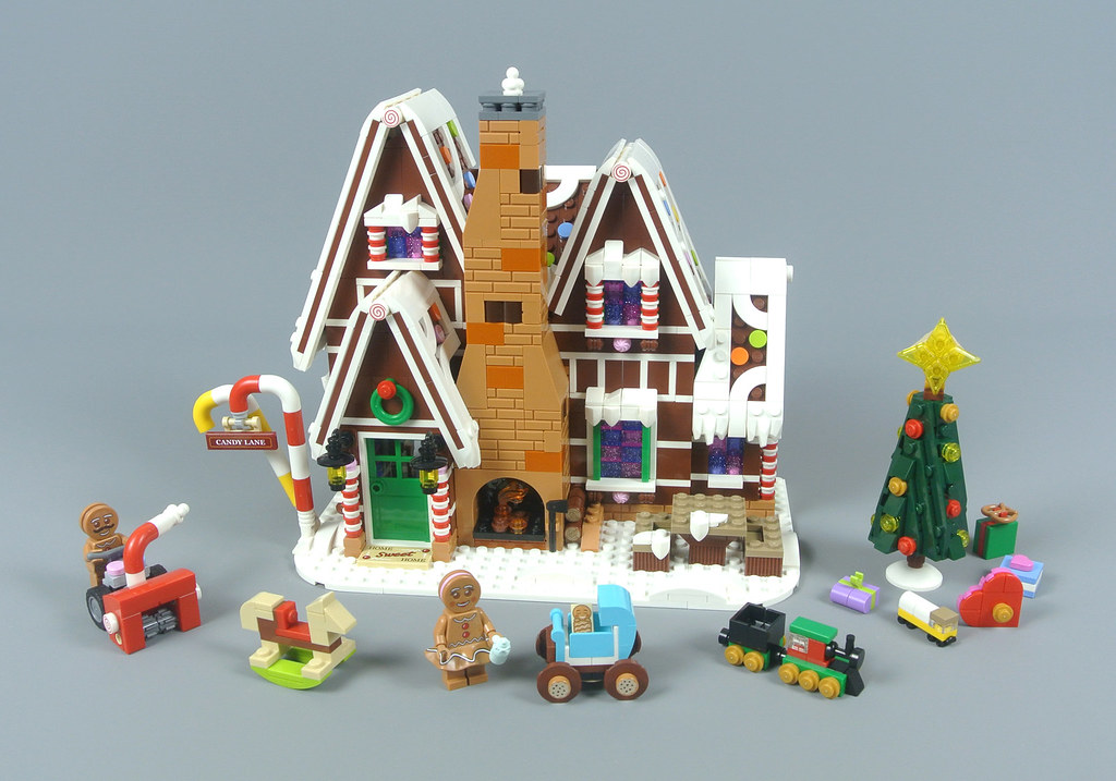 LEGO Creator Expert 10267 Gingerbread House review