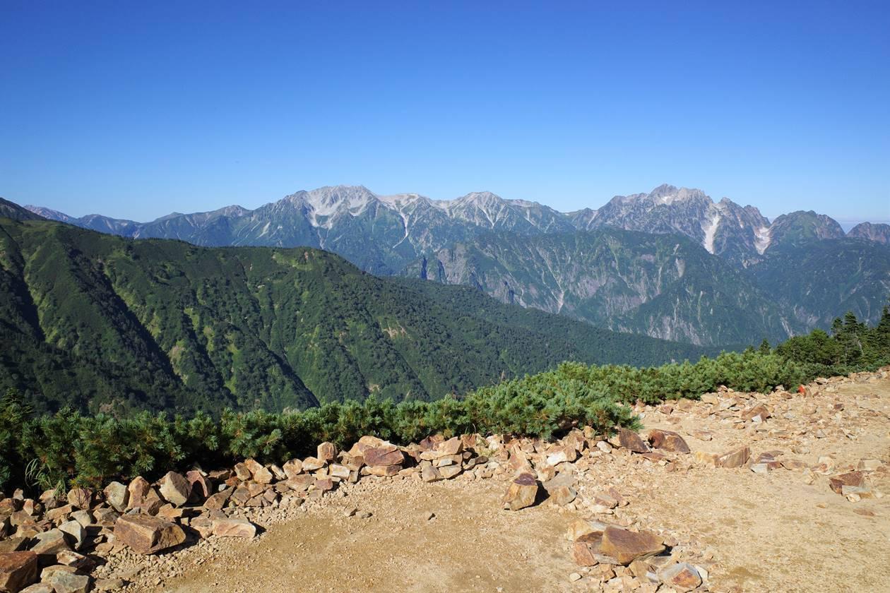 冷池山荘テント場からの立山~剱岳の展望