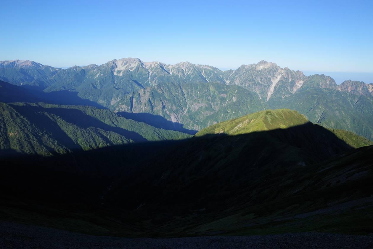 鹿島槍ヶ岳稜線から眺める立山~剱岳