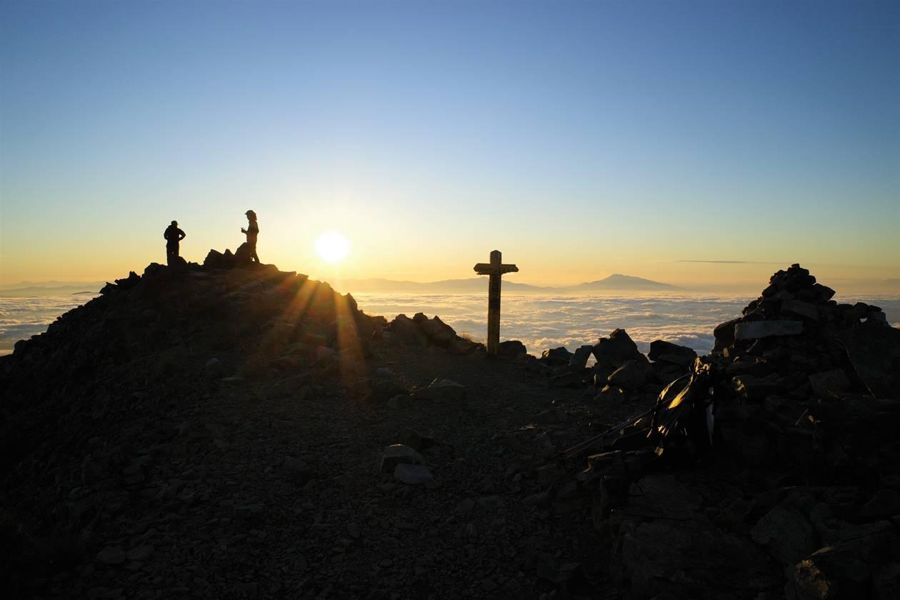 鹿島槍ヶ岳山頂からの日の出