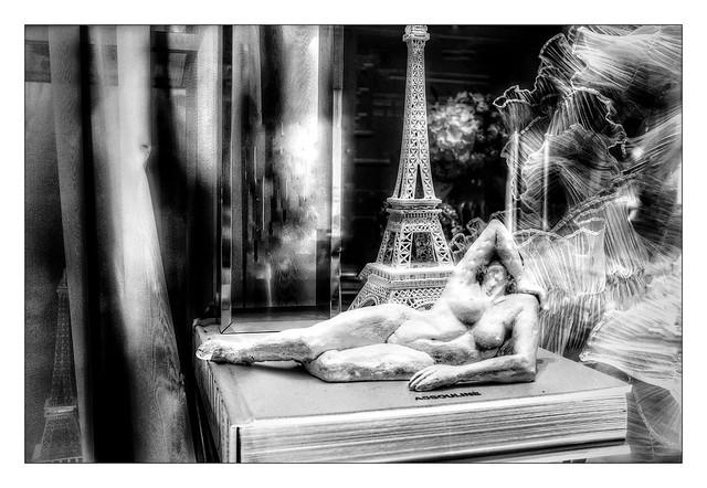 Le nu de la Tour Eiffel