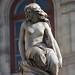 Vienne : statue sommitale d'une des fontaines de l'Opéra
