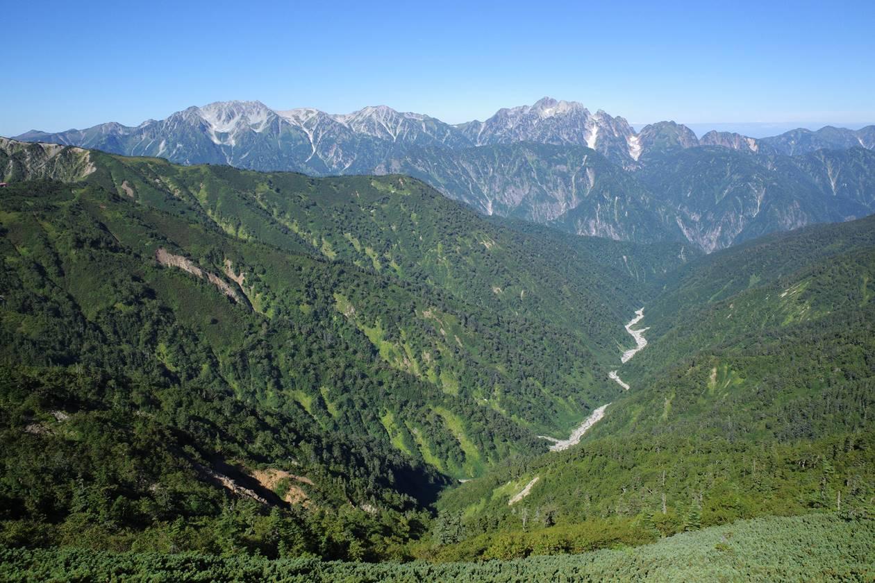 爺ヶ岳~鹿島槍ヶ岳稜線から眺める立山~剱岳