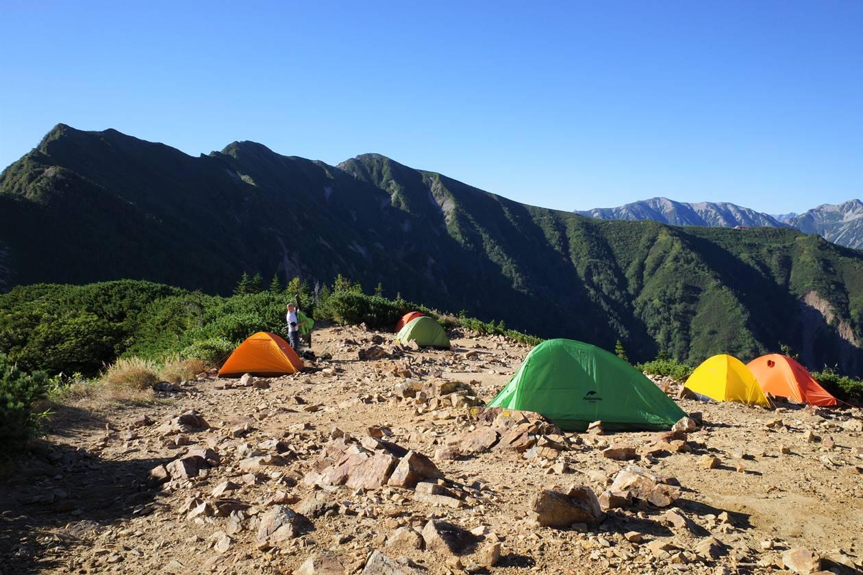 冷池山荘のテント場