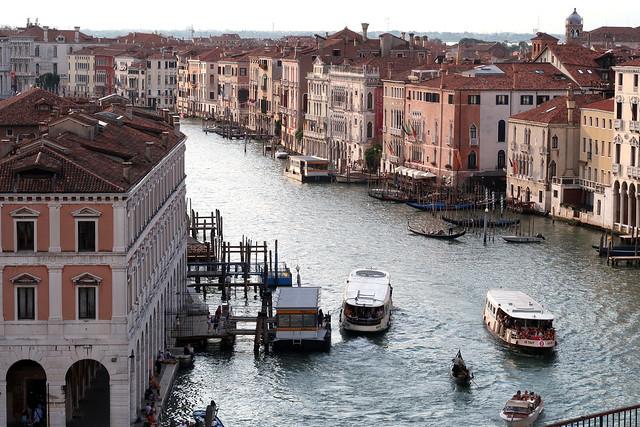 Mercato di Rialto and Grand Canal