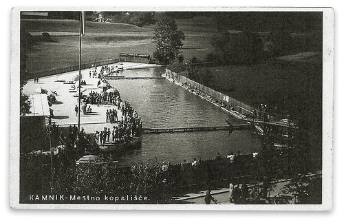 Pregrajeno kopališče na reki Nevljici