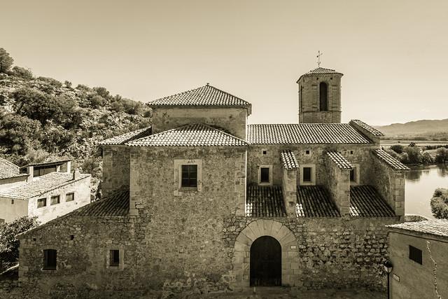 Iglesia Miravet.