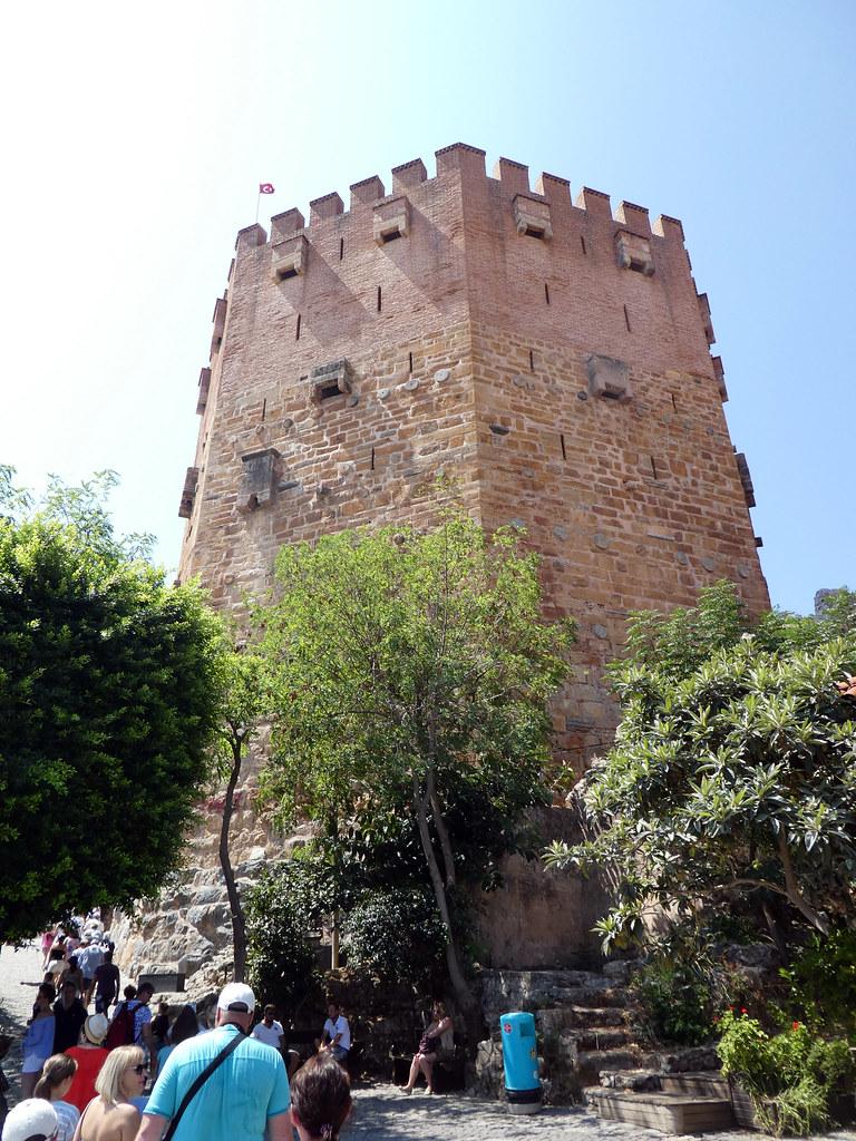 Кызыл Куле (Красная башня)