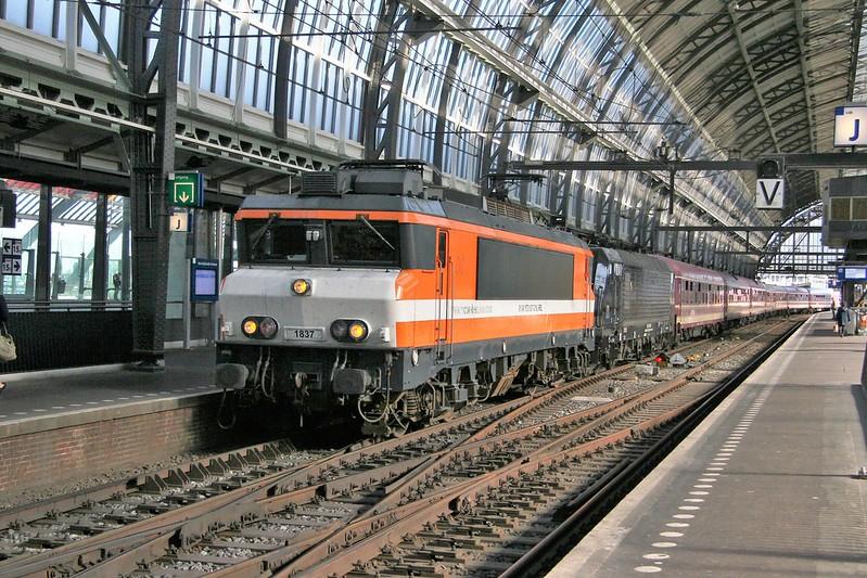1837 met trein voor Egmond aan Zee door Asd Centraal 20190920_IMG_4258