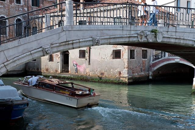 Banksy Refugee Child, Venice 2019
