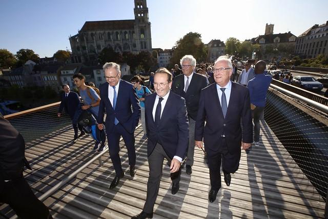 Inauguration de la passerelle entre Mantes-la-Jolie et Limay