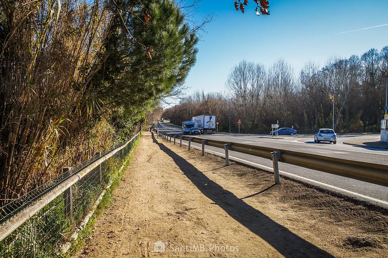 Carretera GI-512 a la altura del Estany de Can Raba