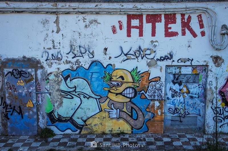 Graffiti en almacén abandonado en el camino de la ermita de Sant Pere de Tordera