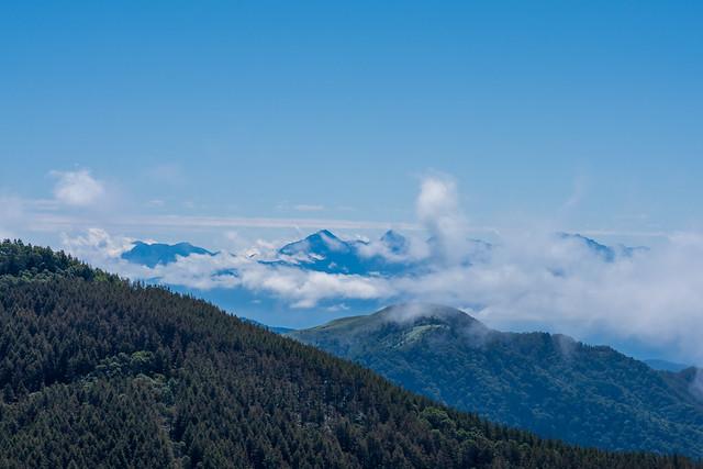 南アルプス・・・鳳凰三山、甲斐駒ケ岳、北岳、間ノ岳、千丈ヶ岳・・・最後まで雲は払われなかった