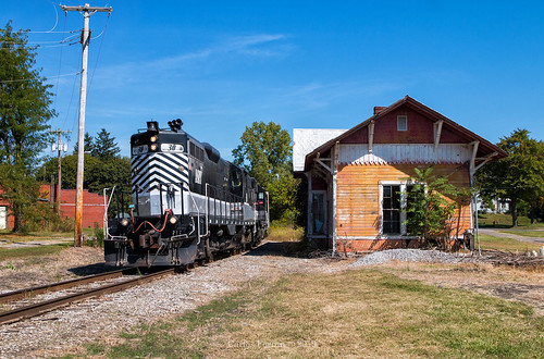 ashland railway asry 30 gp10 emd locomotive railroad rail road rails plymouth bo depot station urban city country ohio oh transfer local
