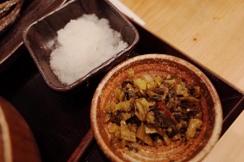池袋北口しんぱち食堂定食の大根おろし 高菜の油炒め