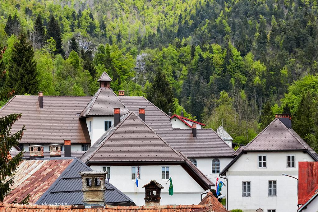 Krovovi čabarske kurije grofova Zrinskih
