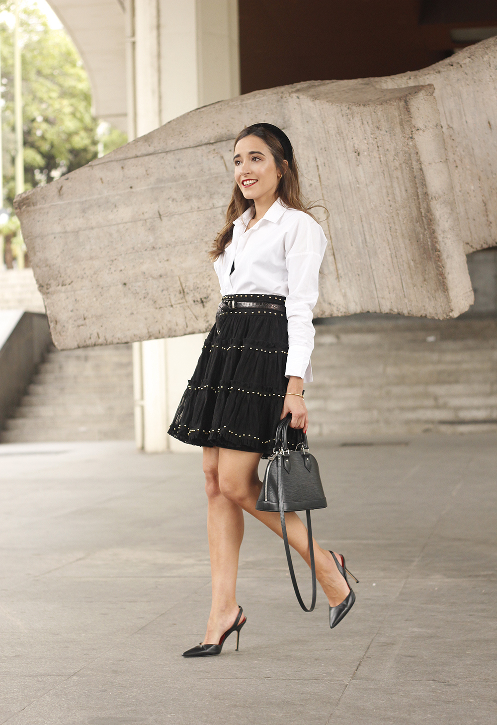 bandeau très preppy falda negra louis vuitton sac style rue outfit8