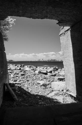 bw ir beach infrared island tripod blackandwhite monochrome lovellsisland batteryterrill boston bostonharborislands r72 fortstandish