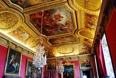 palace chic