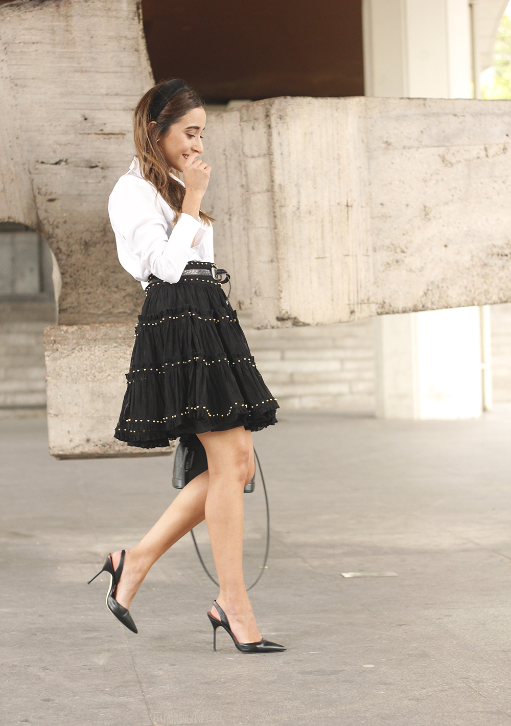 bandeau haut preppy falda negra louis vuitton sac style de la rue tenue 10
