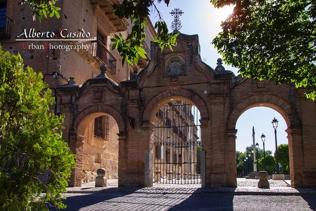 Puerta Monumental de la Abadia del Sacromonte