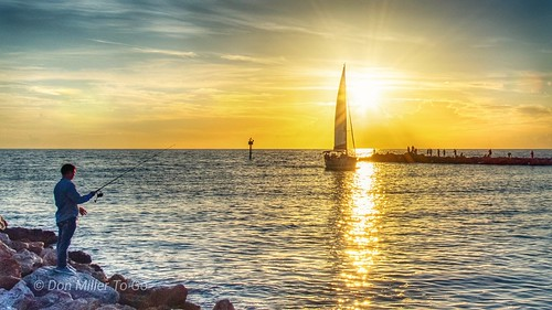 d810 myflorida sunsetsniper sunset gulfofmexico jetty sailboat saltlife fishing