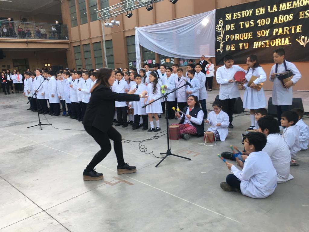 Cien primaverales años conmemoró la Escuela Antonio Torres (4)