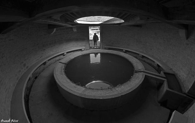 Le Lavoir impluvium du Beuney – La tour-de-scay