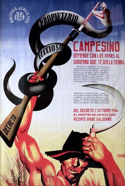 IMG_5447 Josep Renau. 1907- 1982. Campesion, defiende con les armas  el Gobierno que te dio la tierra. 1936.  Barcelone  Museu Nacional d'Art de Catalunya (MNAC)   Une suite d'images de propagande du camp communiste au pouvoir à Madrid.  A sequence of pro