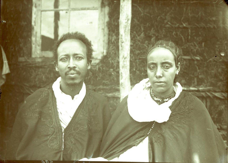 392. 1899. Абиссиния, Аддис-Абеба. Фитаурари (полковник) Ульде Георгис с женой