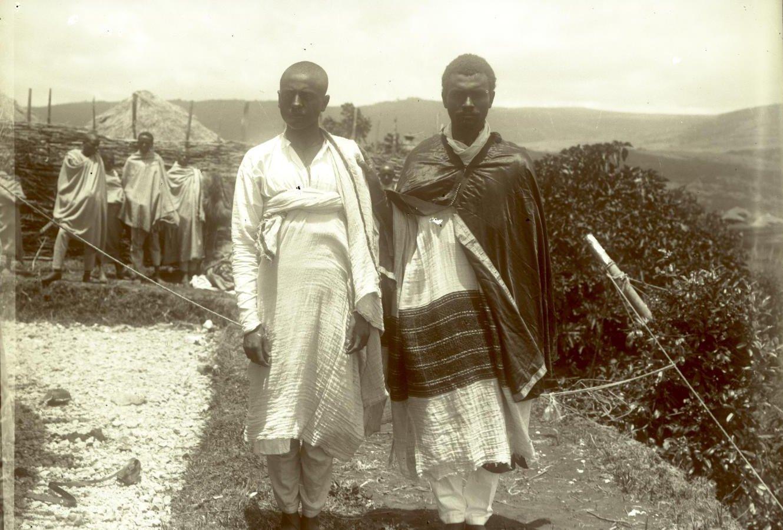 365. 1899. Абиссиния, Аддис-Абеба. Деджазмач (воевода) Ильма с братом