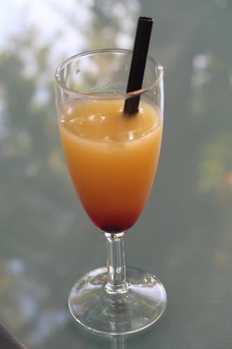 Gläschen alkoholfreier Cocktail