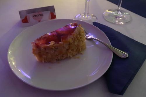 Stück vom Erdbeer-Tortenherz
