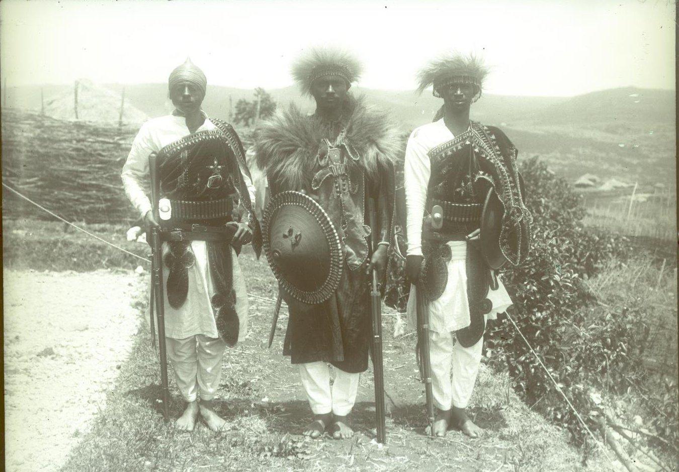 378. 1899. Абиссиния, Аддис-Абеба. Деджазмач (воевода) Ильма с братом в парадной форме