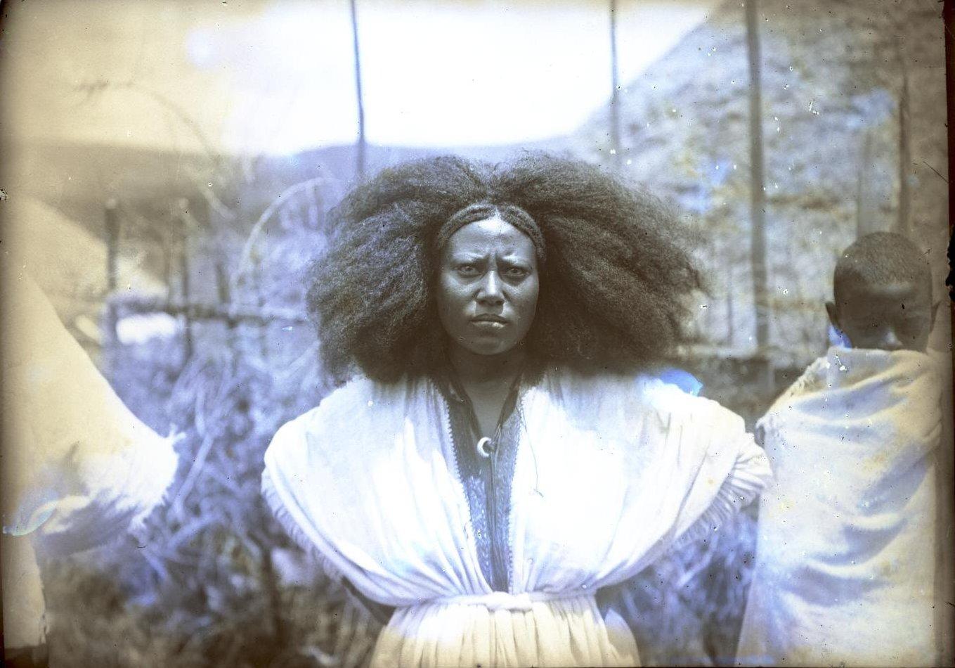 373. 1899. Абиссиния, Аддис-Абеба. Жена господина Гано