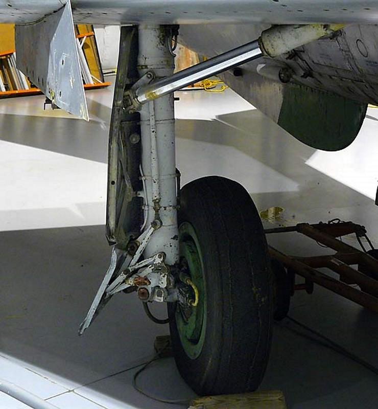 MiG-21 4