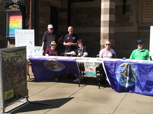 September 20, 2019 - 1:43pm - Climate tabling outside Old South