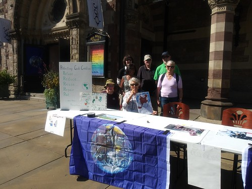 September 20, 2019 - 2:23pm - Climate tabling outside Old South