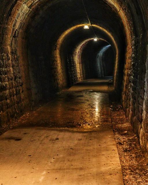 Túnel en la vía verde en Caudiel
