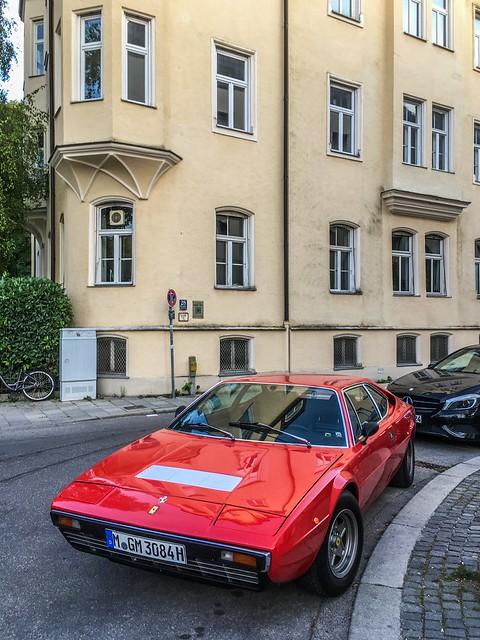 München-Schwabing: Ferrari.