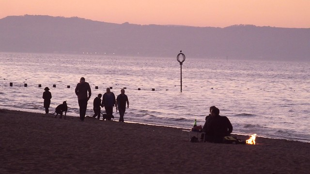 Awaiting the Setting Sun by the Sea 07