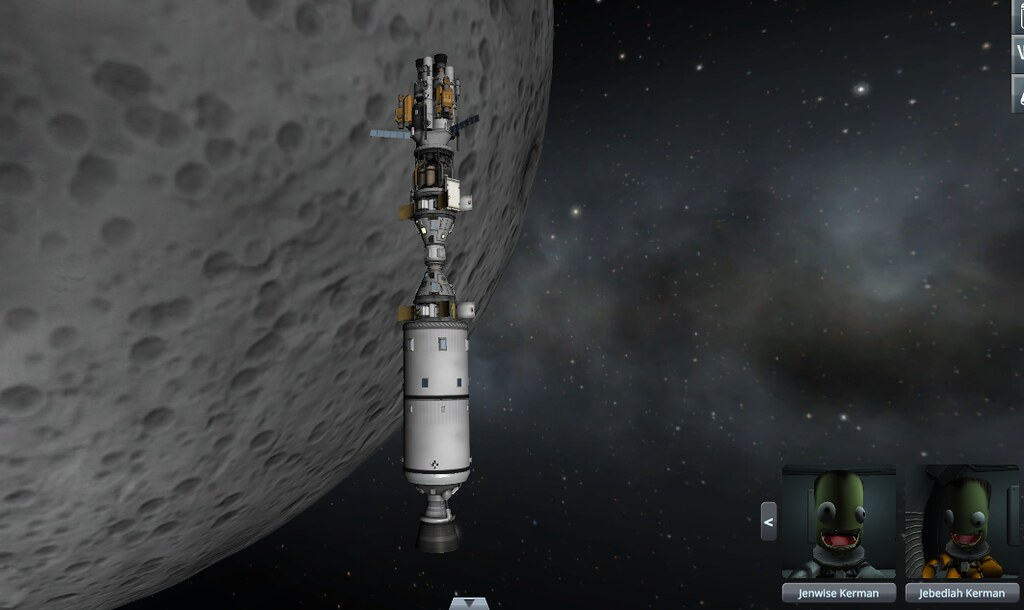 11 1st miner docked with Rhino in mun orbit (e01wtt)